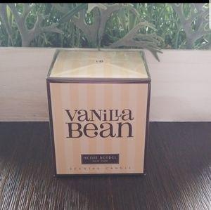 Henri Bendel Vanilla Bean candle